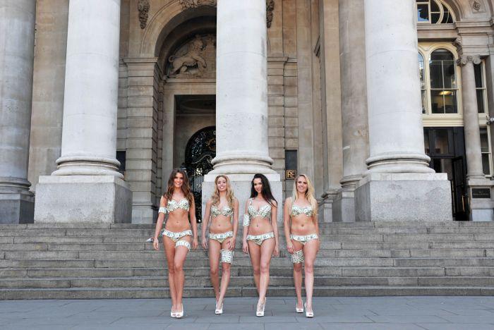 Bikinis Made Of Money (15 pics)