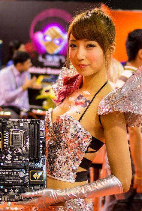 The Ladies Of Computex 2014 (25 pics)