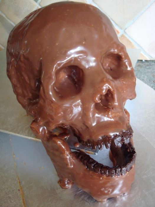 The Most Terrifying Chocolates Ever (21 pics)
