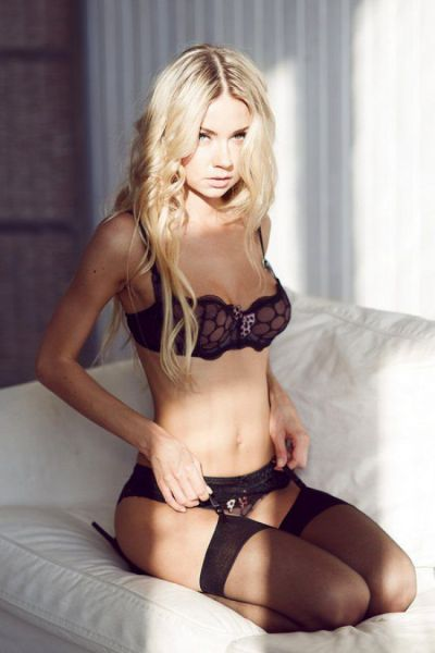 You Will Fall In Love With These Lingerie Ladies (43 pics)