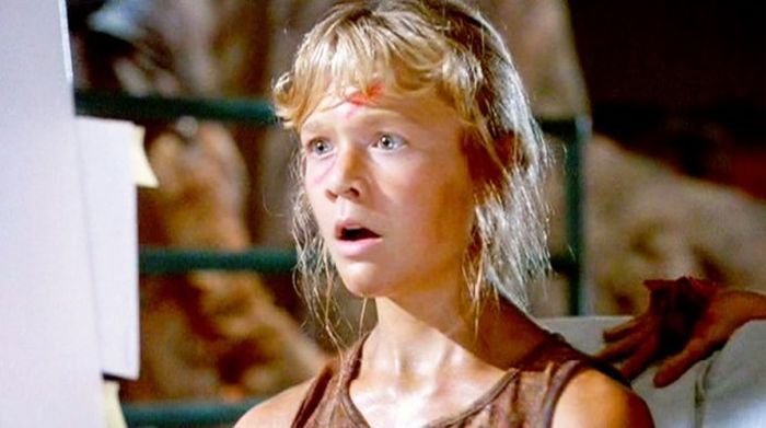 The Little Girl From Jurassic Park Has A New Life (6 pics)