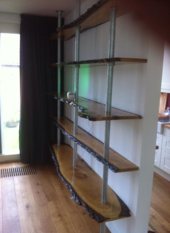 Awesome Homemade Bookshelf (10 pics)