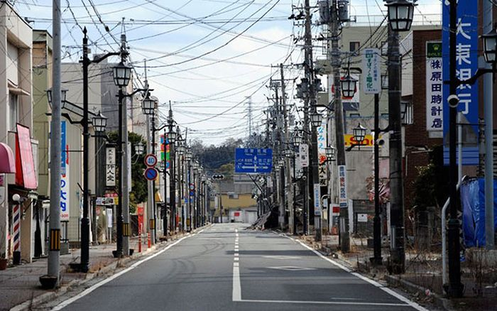Creepy Ghost Towns In Japan (24 pics)