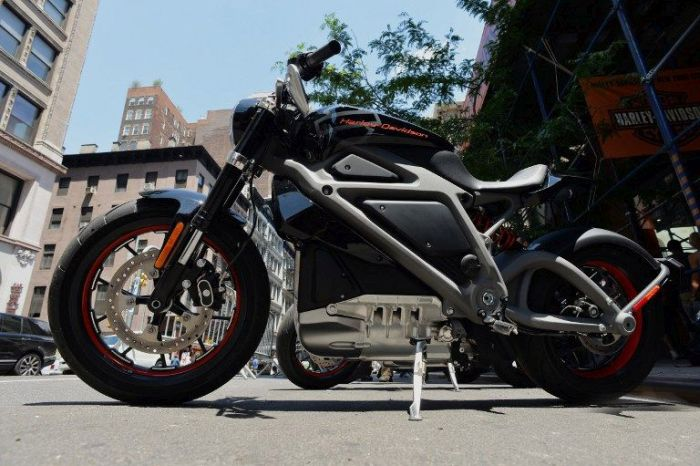 Get A Look At The First Electric Harley-Davidson (7 pics)