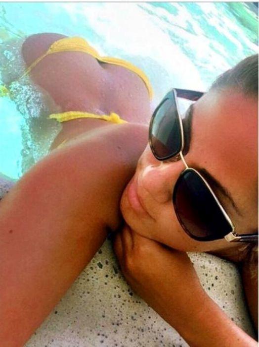 Bikini Babes For Days (61 pics)