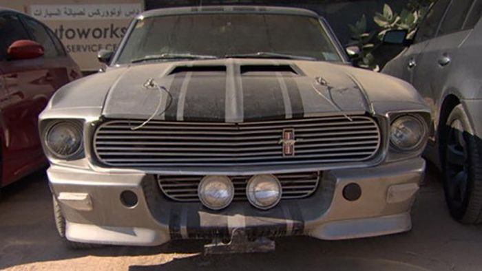 Abandoned Cars In Dubai >> One Man's Dream Car Is Another Man's Junk (40 pics)