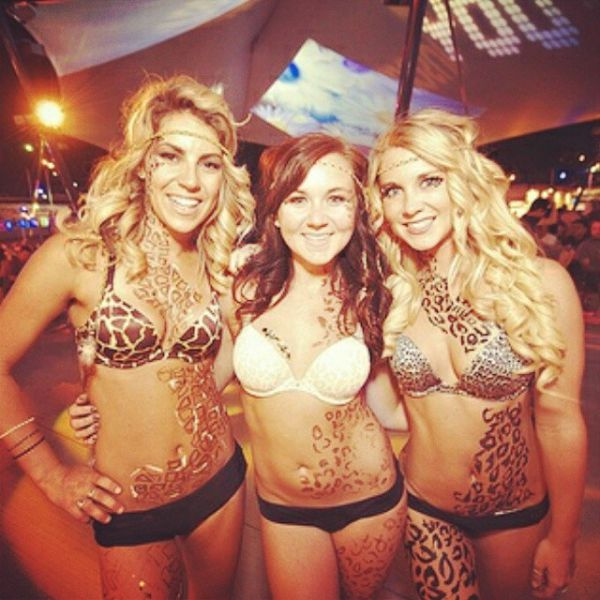 Women Of The Electric Daisy Carnival Are Electrifying (43 pics)