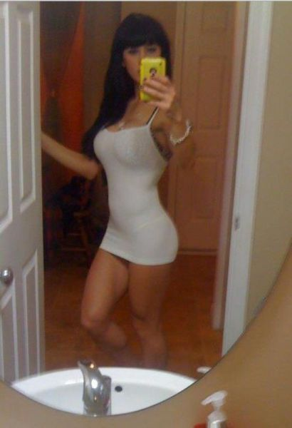 Let That Dress Squeeze You Tight (53 pics)