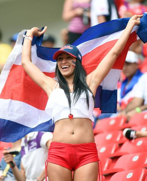 Cute Girls of the World Cup (65 pics)
