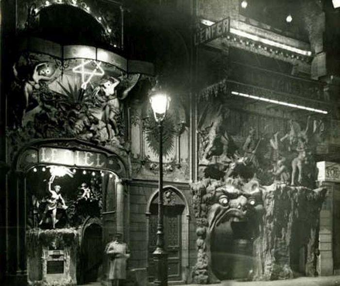 The Creepiest Parts Of Paris (16 pics)