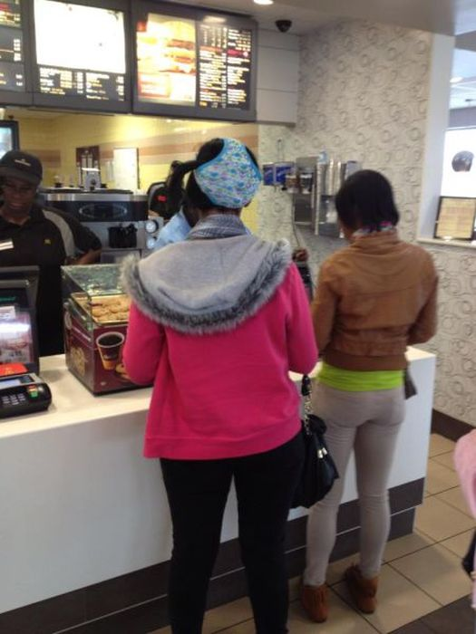 Things You Will Only See At Fast Food Restaurants (45 pics)