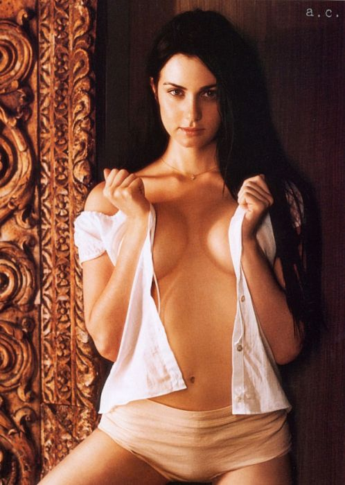 25 Hottest Actresses To Come From Canada (25 pics)