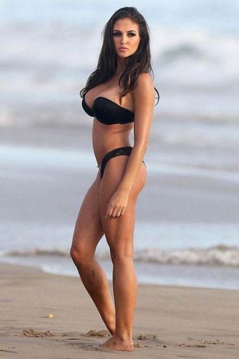 Bikini Beach Bodies Are The Best (44 pics)