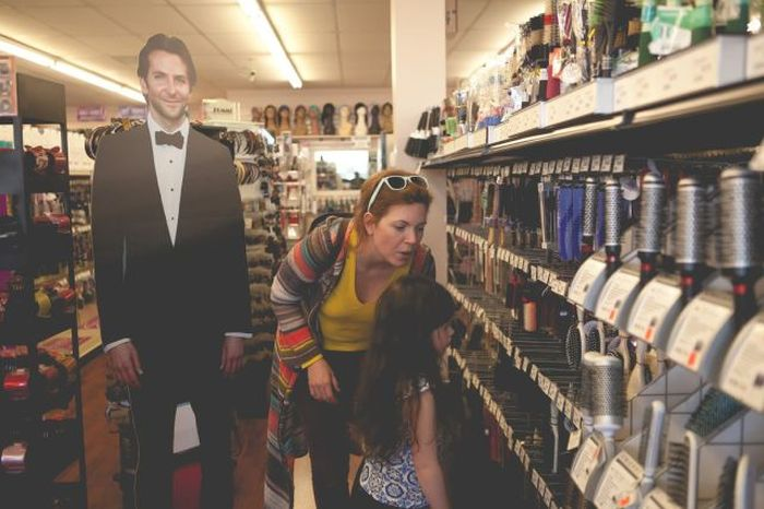 This Woman Takes Bradley Cooper Everywhere (42 pics)