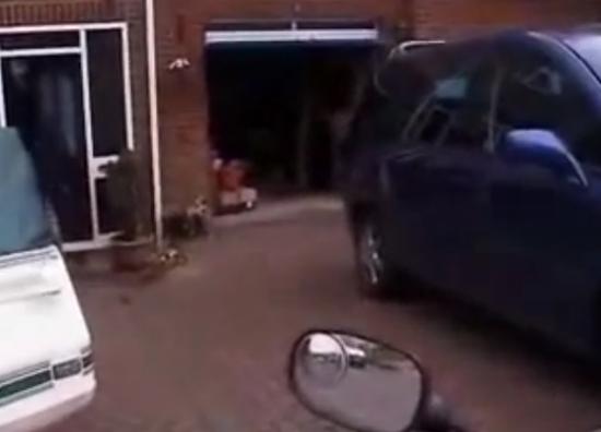 Hand-Made Radio Controlled Garage Door