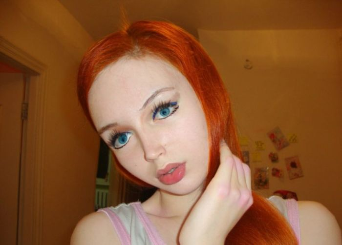 Lolita Richi Looks Like A Living Doll (29 pics)