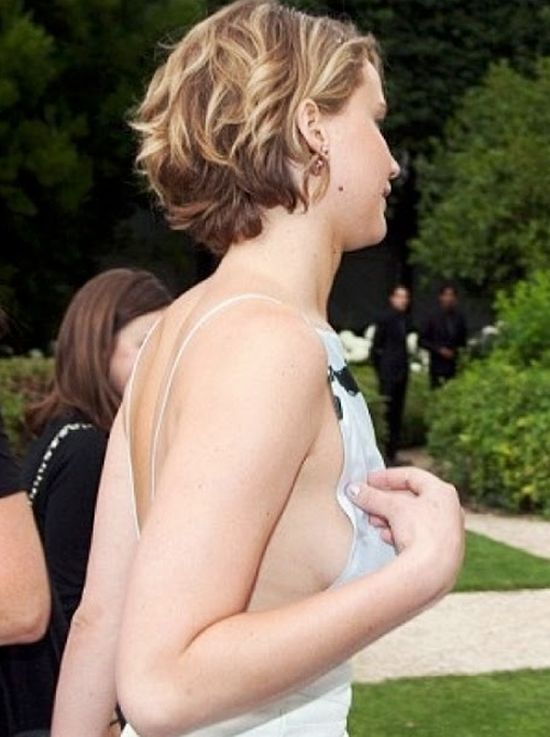 Jennifer Lawrence Is Looking Good In Paris (6 pics + video)