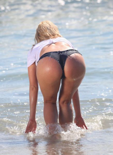 Excuse Me, Butt I Have A Question (61 pics)