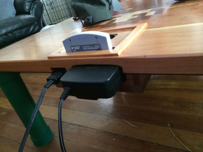 Make Your Own Nintendo Table (18 pics)