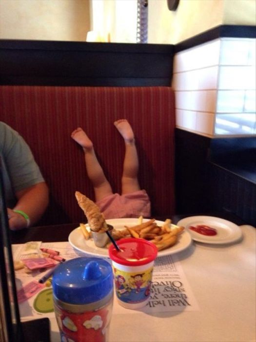 The Creepiest Kids You Will Ever See (21 pics)