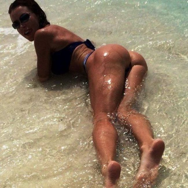The Best Butts On The Best Babes (48 pics)