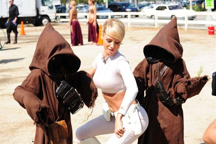 Star Wars Gets Sexy At This Cool Carwash (33 pics)