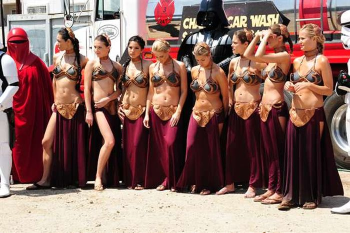 Star Wars Gets Sexy At This Cool Carwash (33 pics)