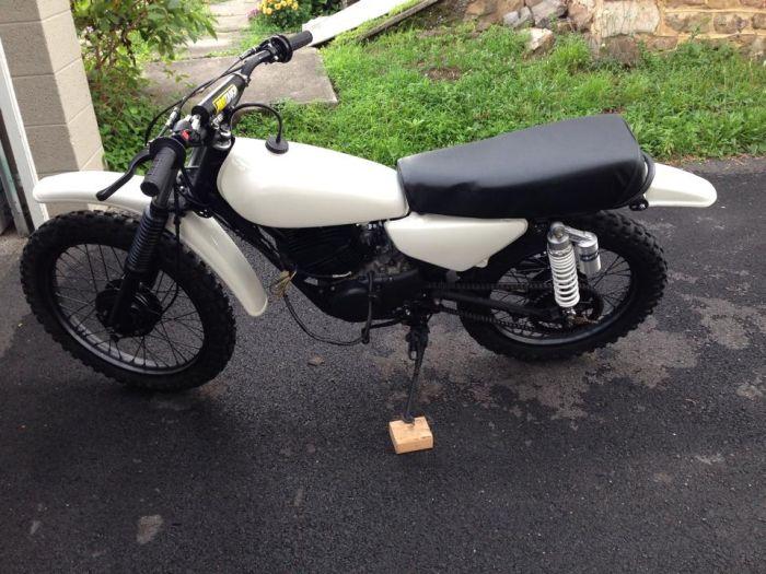 1980s Yamaha Dirtbike Gets A Modern Look (41 pics)