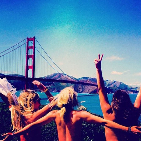 Topless Tourists Travel The World (43 pics)