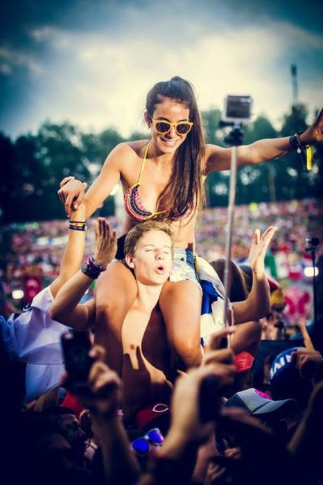 The Beautiful Babes From Tomorrowland 2014 (44 pics)