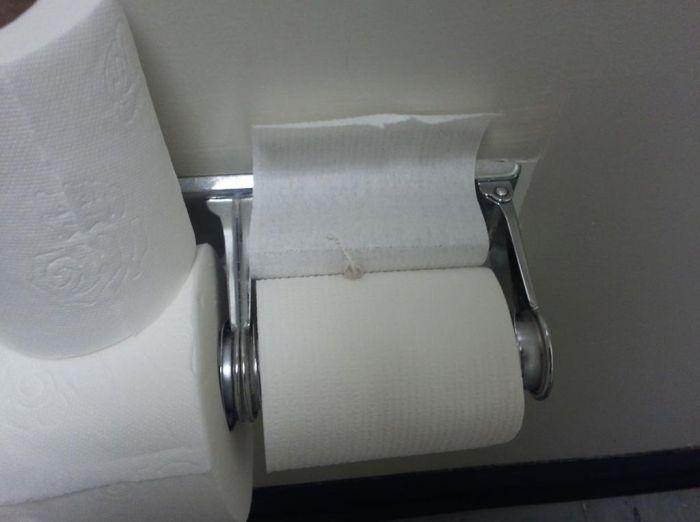 A Great Bathroom Prank Anyone Can Use (10 pics)