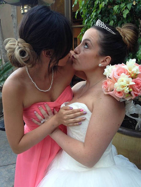 Girls Grabbing Boobs Is The Best Thing Ever (54 pics)