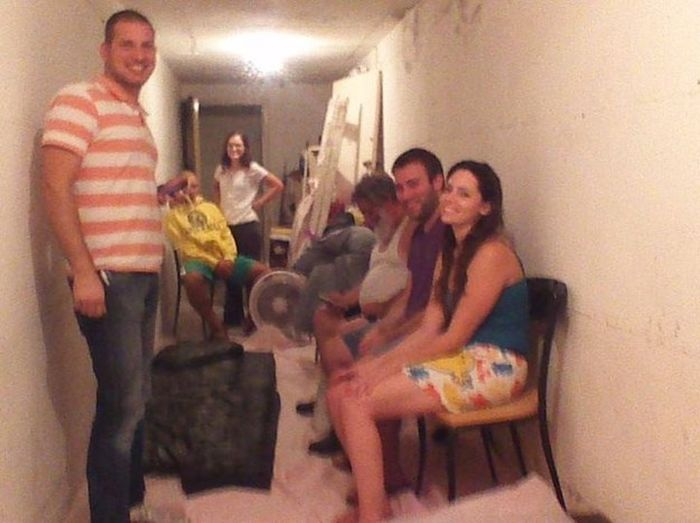 Bomb Shelter Selfies Are Now A Thing (20 pics)