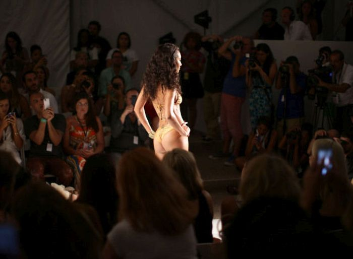 Miami Swim Week Is The Place To Be (37 pics)