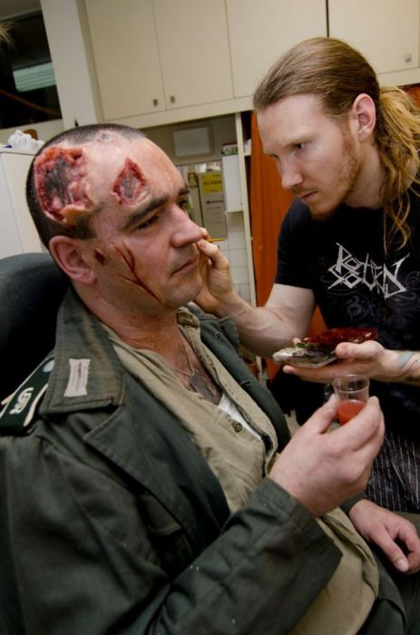 Scary Makeup Thats Gory And Horrifying (23 pics)