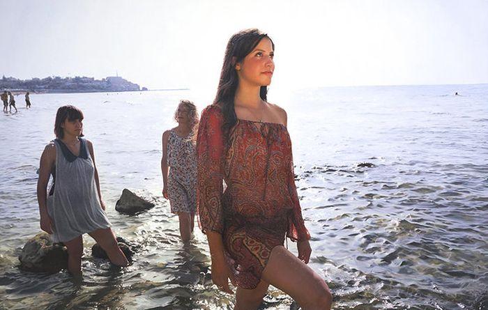 Yigal Ozeri Paints Beautiful Pics Of Beautiful Women (30 pics)