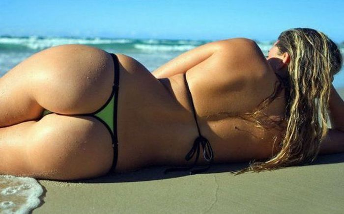 Bikinis Are The Best Thing About Summer (44 pics)