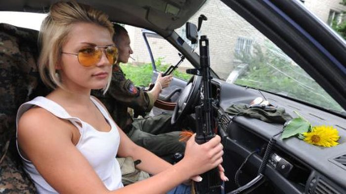 Blond Pro-Russian Fighter (5 pics)