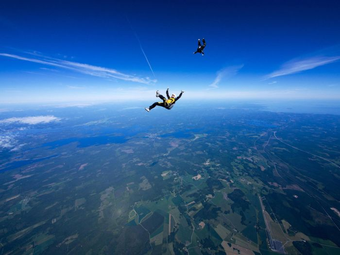 You Get The Best Views When You Go Skydiving (40 Pics