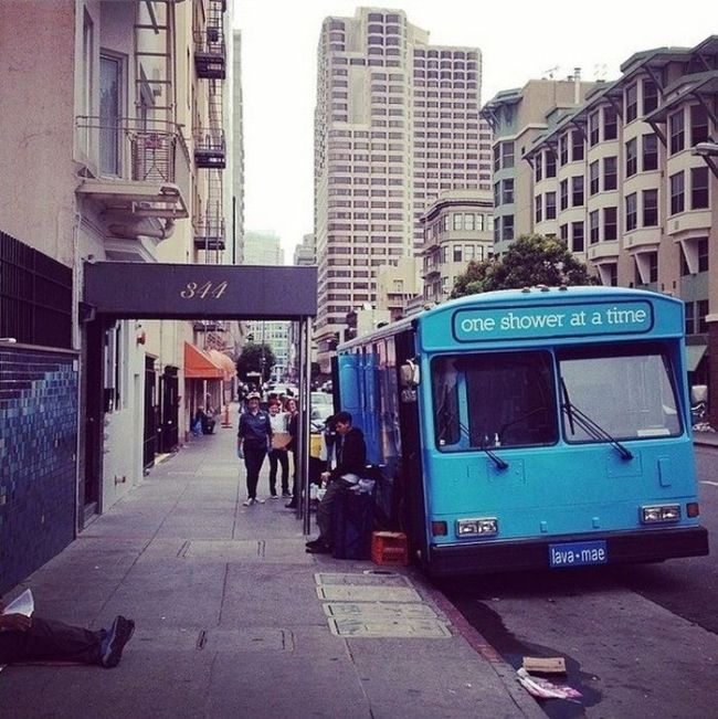 San Francisco Buses Give The Homeless A Shower (8 pics)