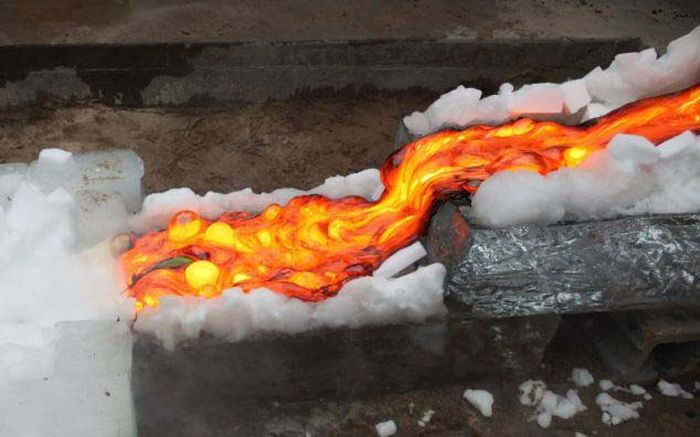 How To Barbecue With Lava (6 pics)