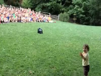 Çocuk, kalabalık, slogan, video