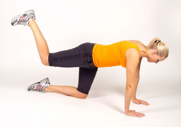Easy Exercises You Can Do At Home (16 pics)