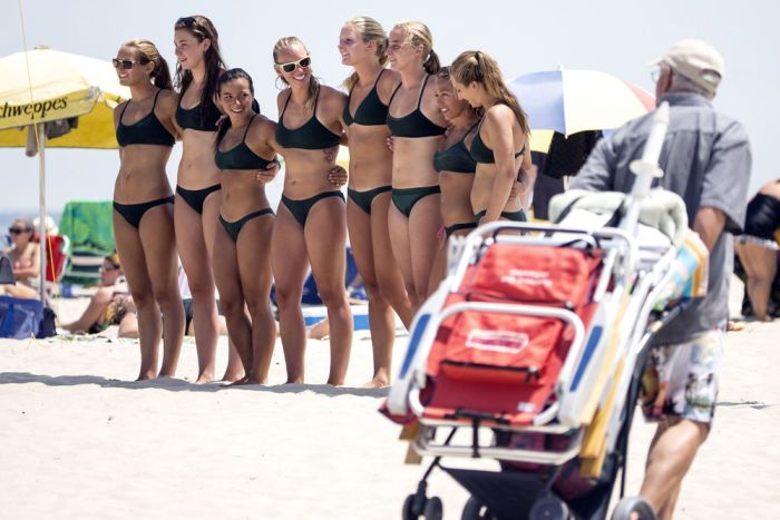 The Annual All-Women Lifeguard Tournament (12 pics)