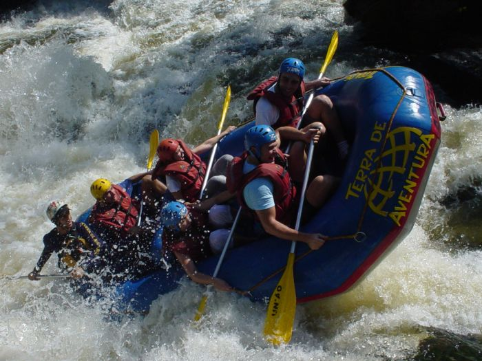 When White Water Rafting Goes Wrong (2 pics)