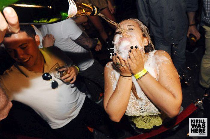 There's Nothing Like A Champagne Facial (35 pics)