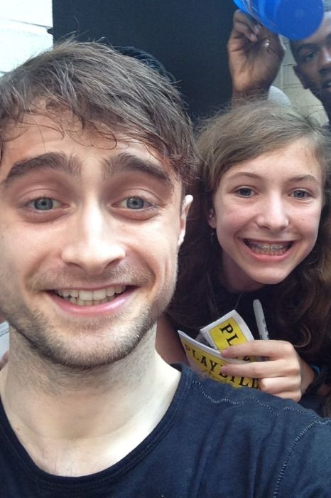 Celebrities That Actually Appreciate Their Fans (22 pics)