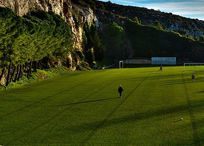 Amazing Football Field In Monaco (4 pics)