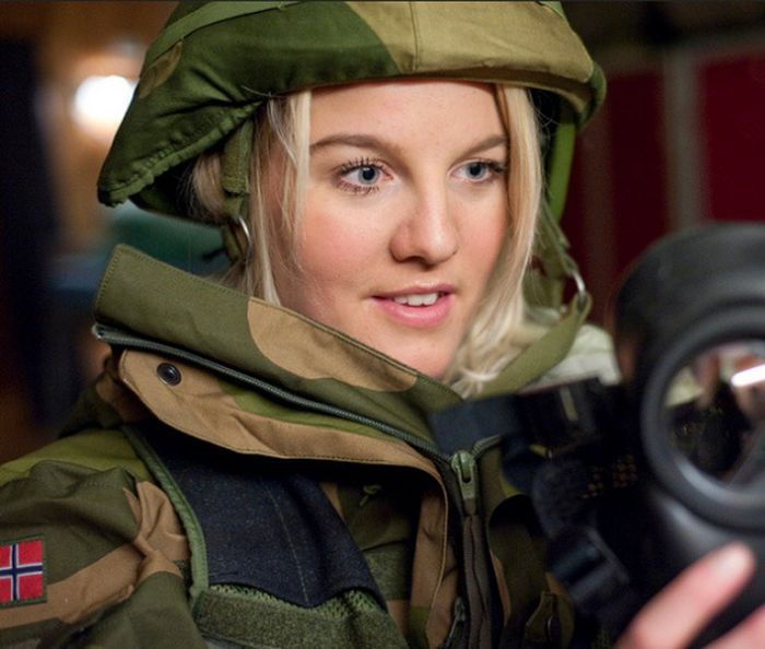 The Women Of The Norwegian Military (45 pics)