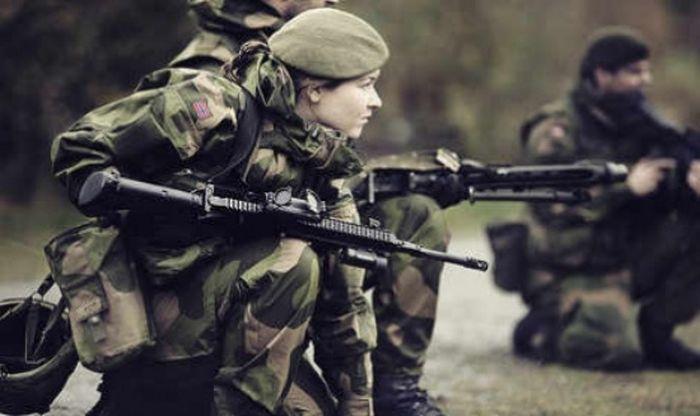 The Women Of The Norwegian Military (45 pics)